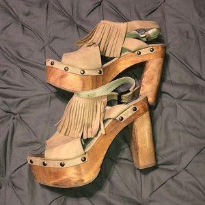 1a4186c6603 Five Worlds by Cordani Wooden Platform Heels